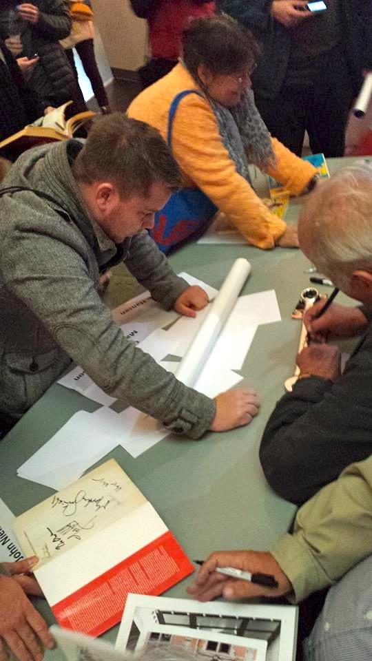 Autografskrivning i palads Olsen Banden jubilæum